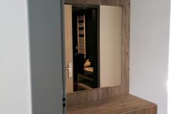 Tükrös előszobafal zárt tárolókkal, fiókokkal