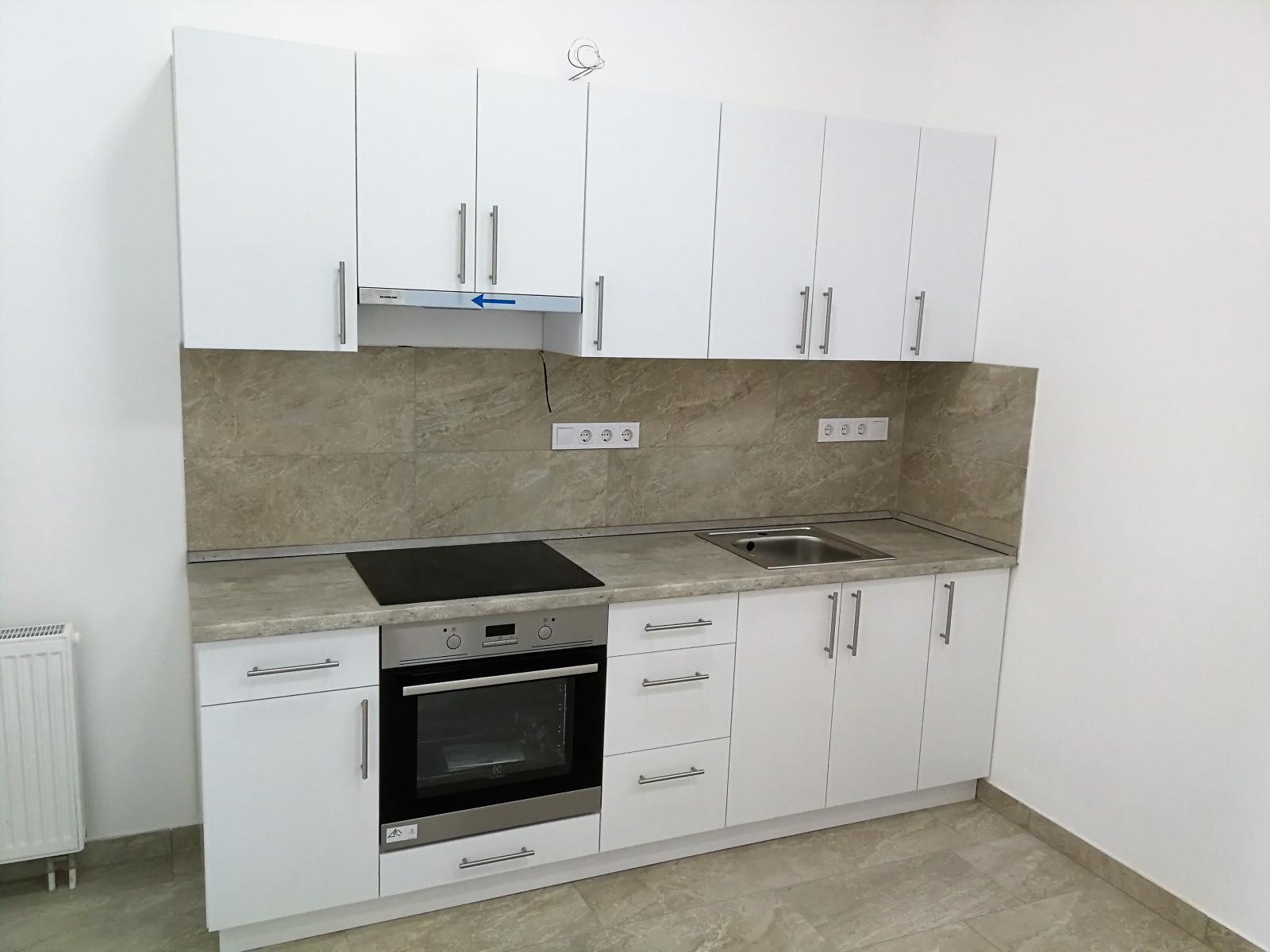 Mini konyha beépített háztartási gépekkel